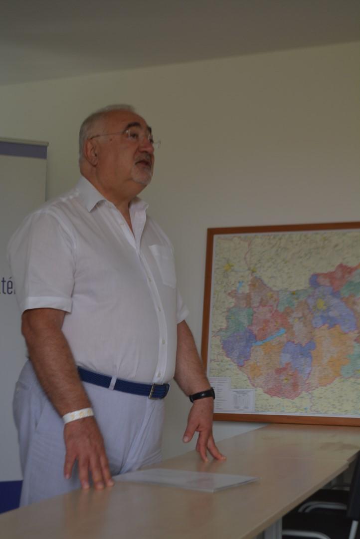 Dr. Kádár Zsolt