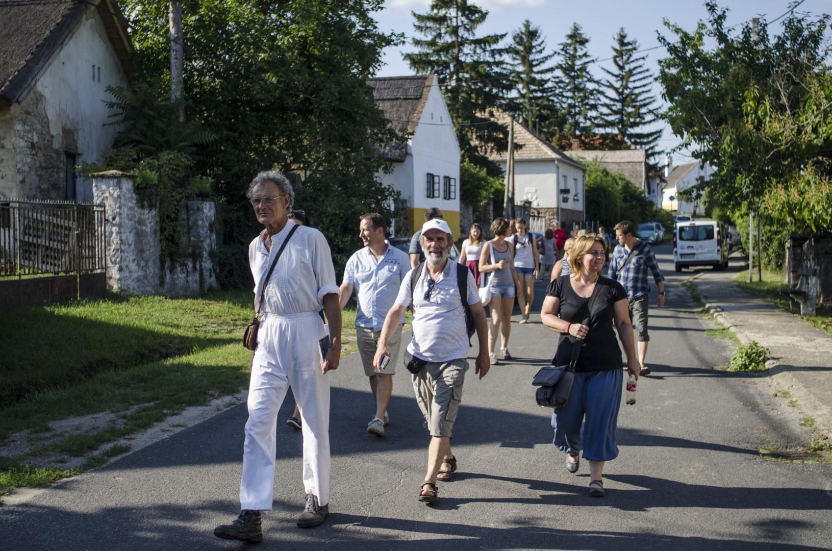 Vándorakadémia 4. nap Somogyi Győző - faluséta