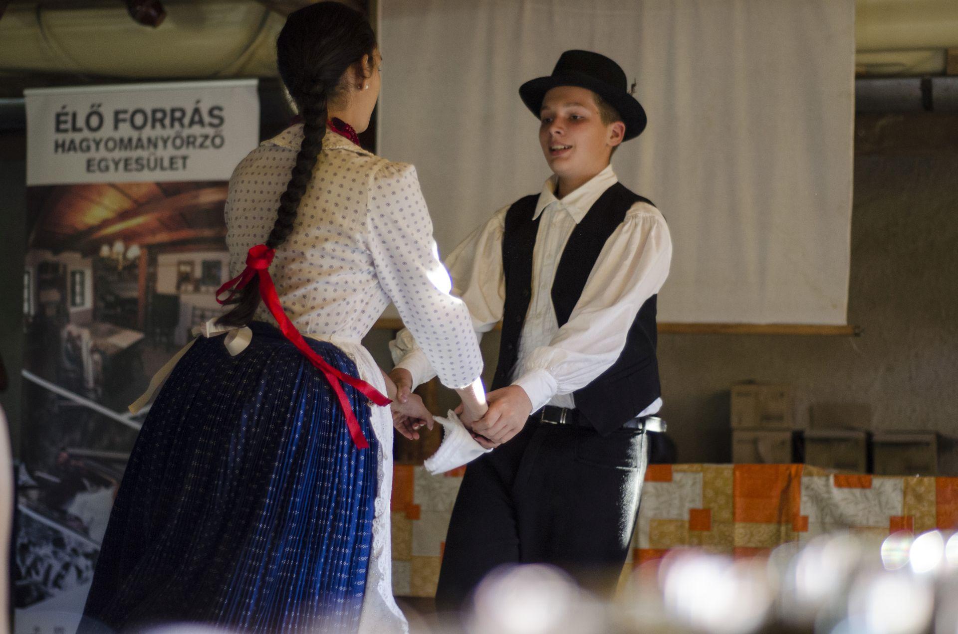 """""""Együttélésben"""" kultúrák találkozása a Somló-Ság vidékén"""