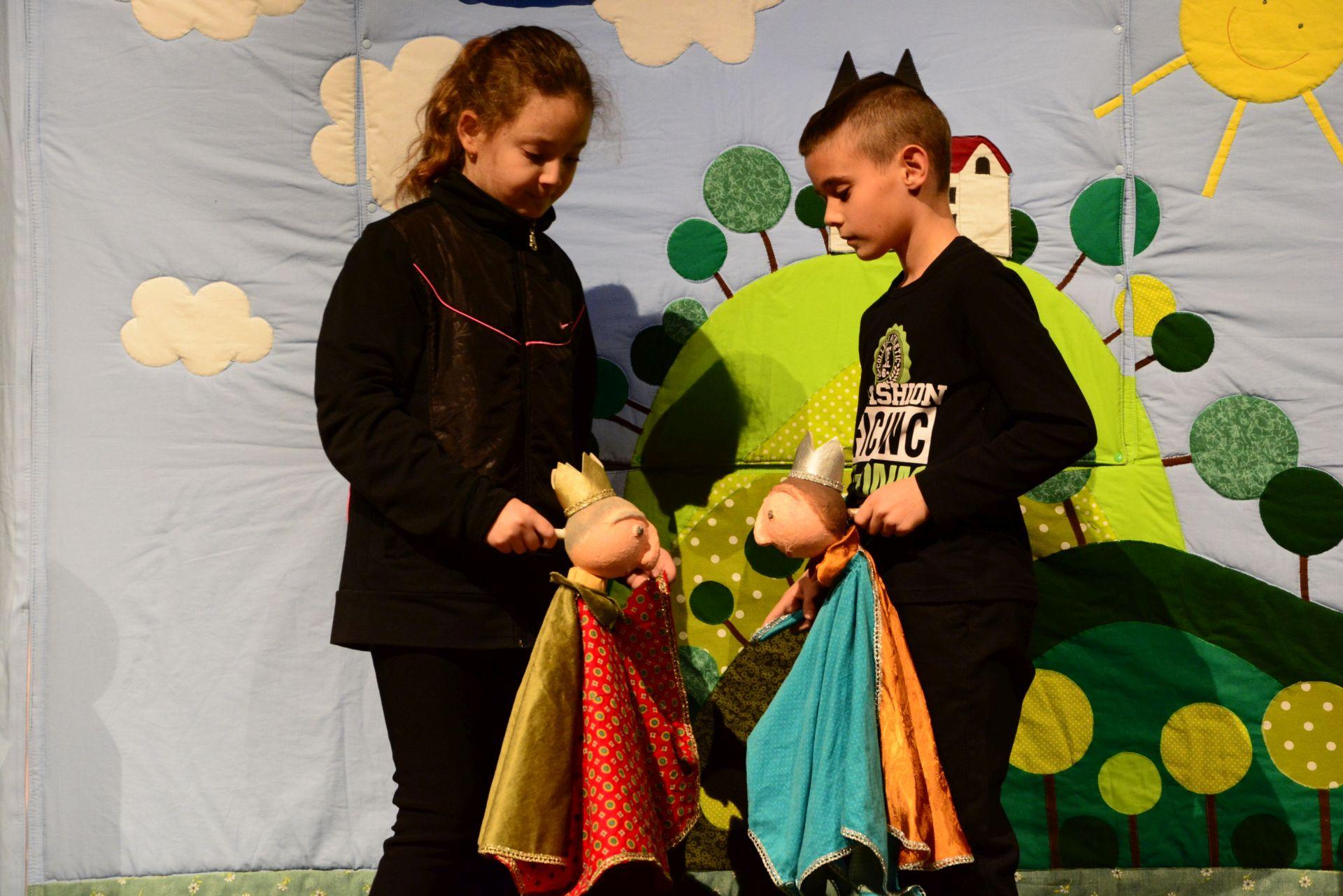 """""""A bábjáték a szeretet művészete"""" – A közösségeken és a társadalmi szerepvállaláson volt a hangsúly a bábos konferencián"""
