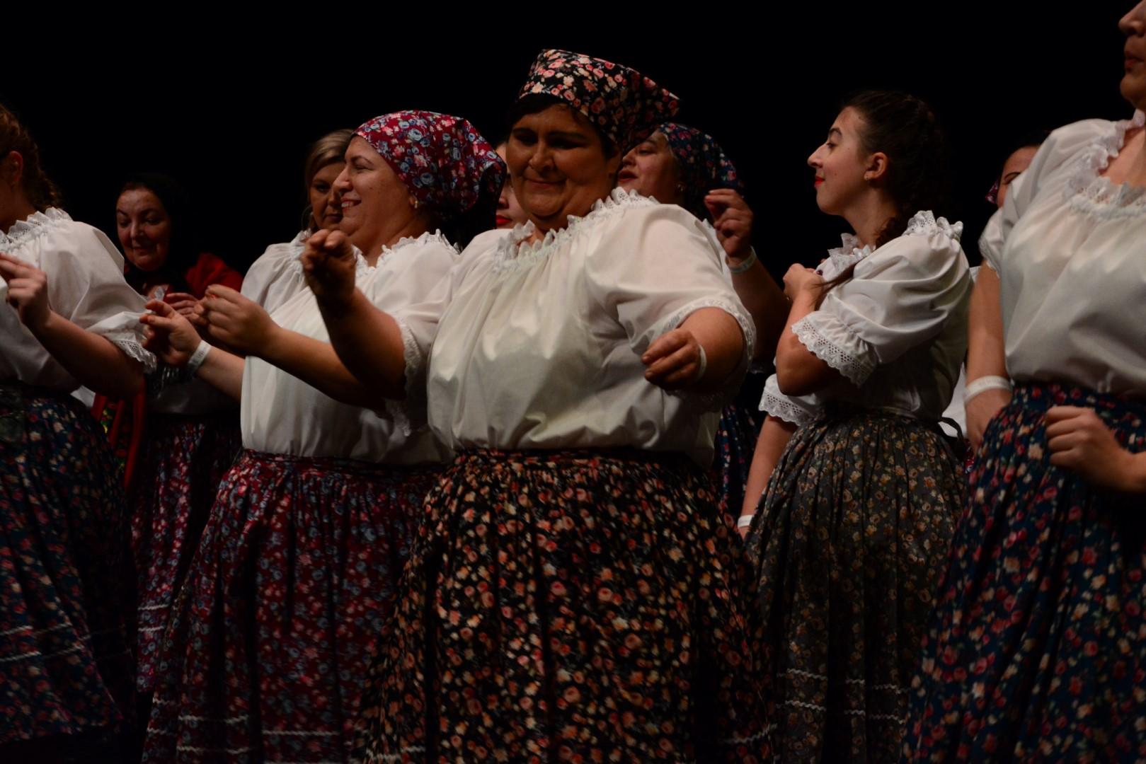 Rétközi Pacsirták Amatőr Művészeti Csoport: A vásár – népi komédia (Rétközberencs, Szabolcs-Szatmár-Bereg megye)