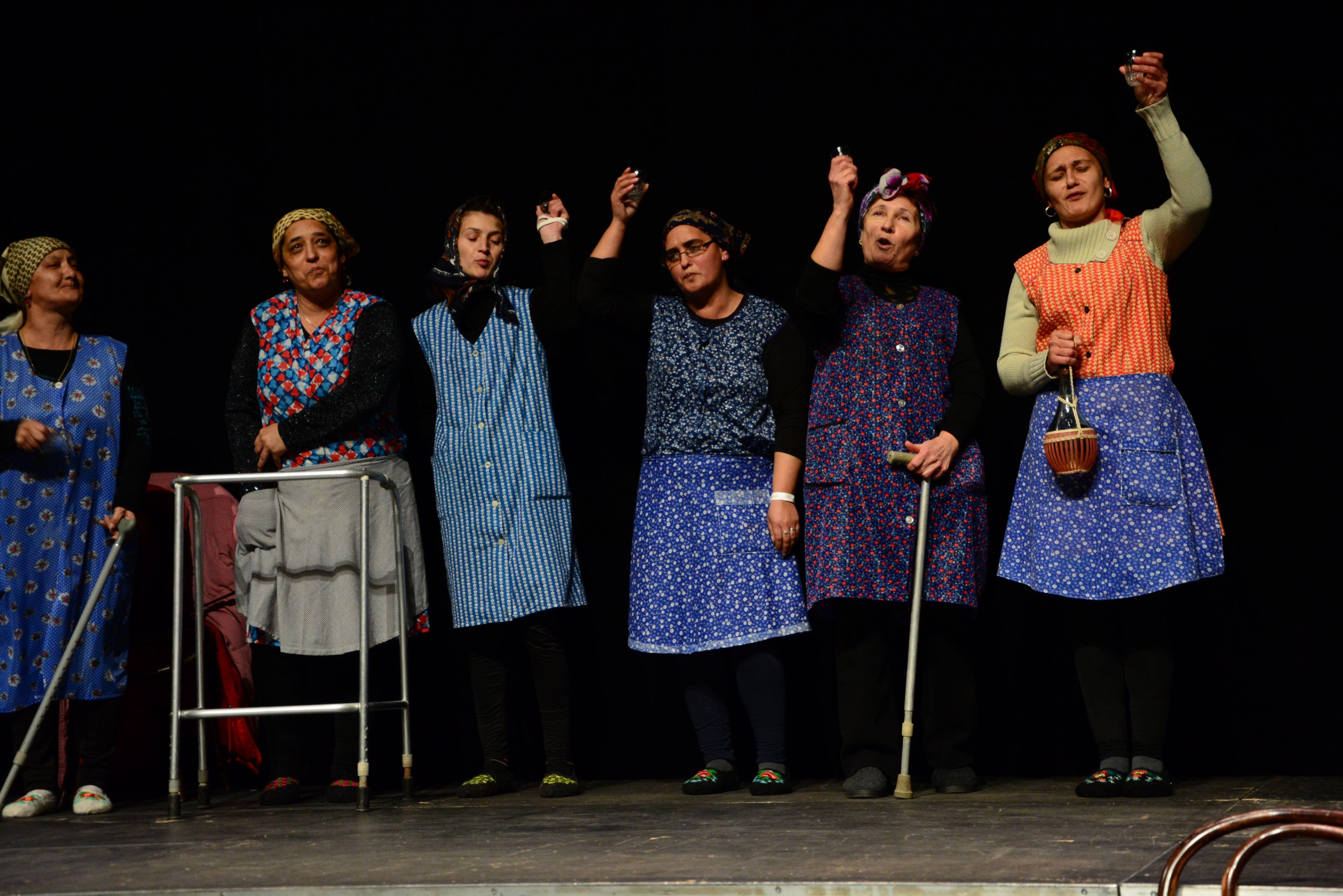 Értényi Pajtaszínház: Szombat: munkanap – zenés vígjáték egy felvonásban (Értény, Tolna megye)