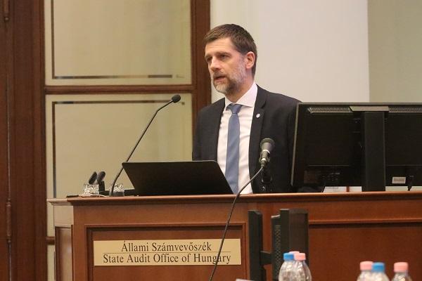 Kárpáti Árpád: Érték és közösségalapon a pénzügyi kultúráért