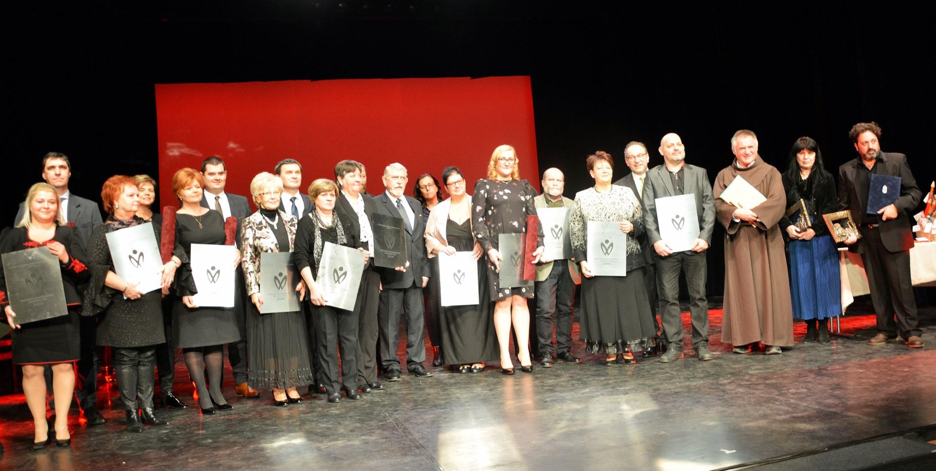 Díjak a magyar kultúra napján