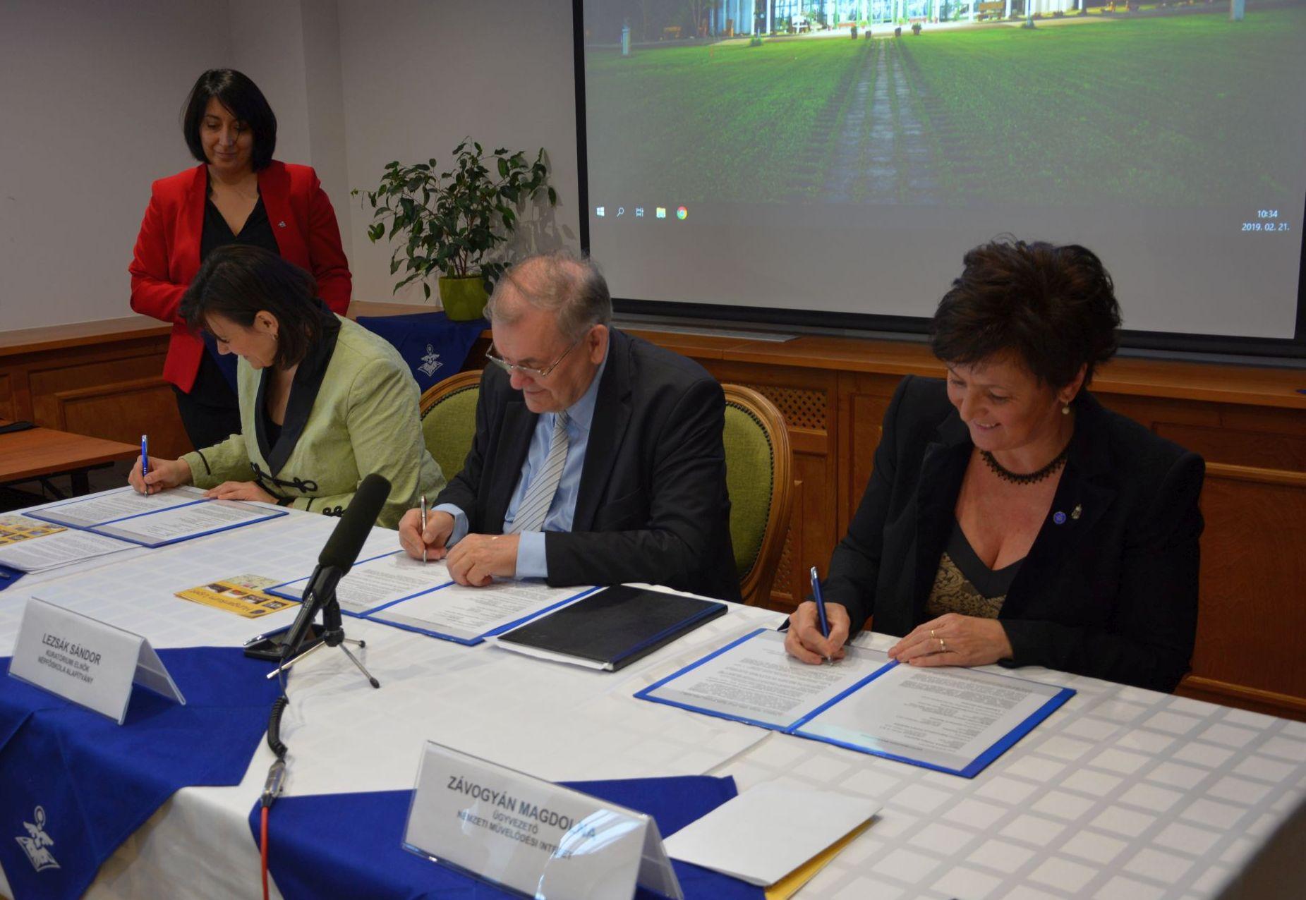 Három szervezet együttműködése a családokat erősítő kulturális értékekért