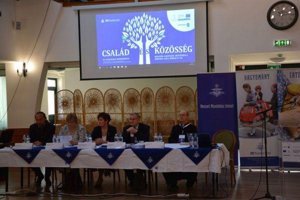 Fókuszban a családok – megkezdődött a stratégiai konferencia