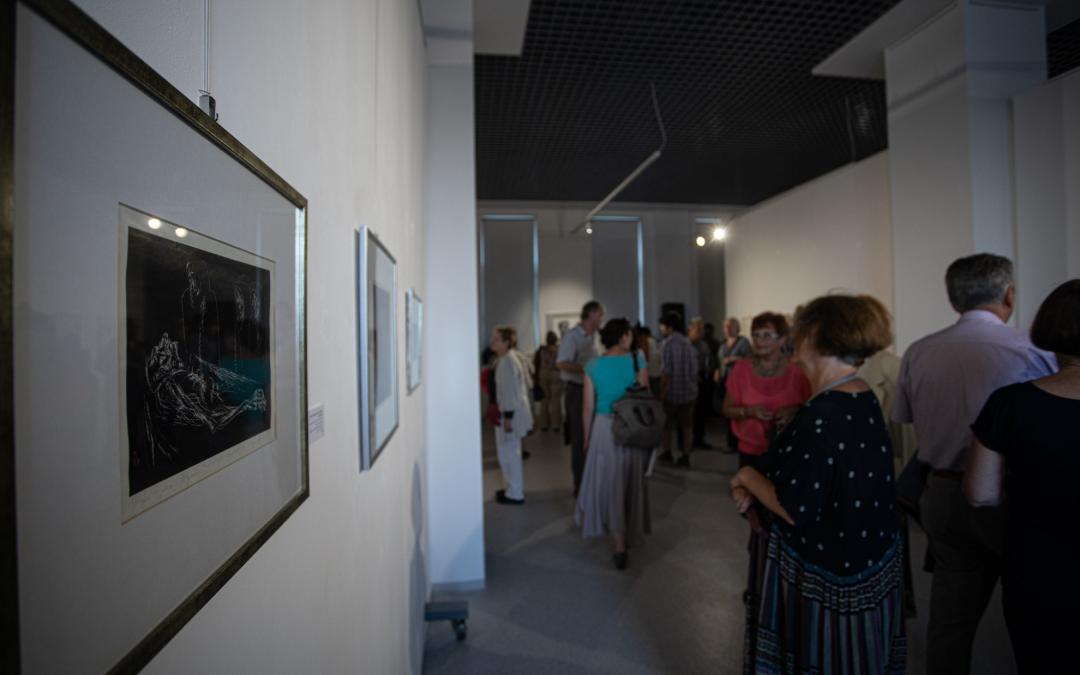 Plugor Sándor alkotásaiból nyílt kiállítás Sepsiszentgyörgyön