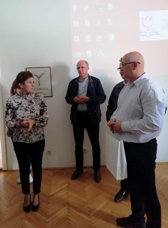 Závogyán Magdolna, a Nemzeti Művelődési Intézet ügyvezetője és Serfőző Levente, a HÍD – Szebeni Magyar Egyesület elnöke