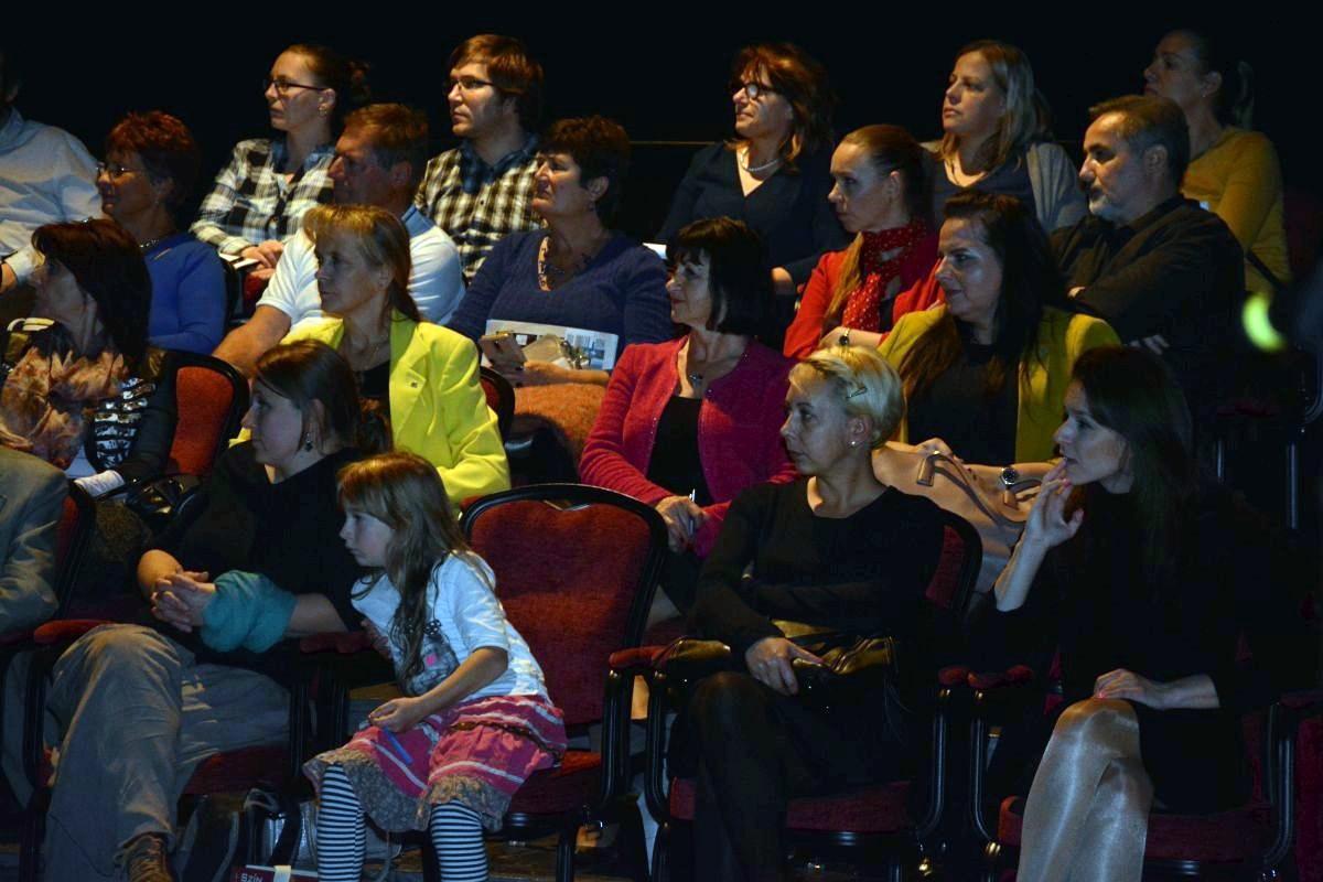 A közönség a tavalyi filmet nézi