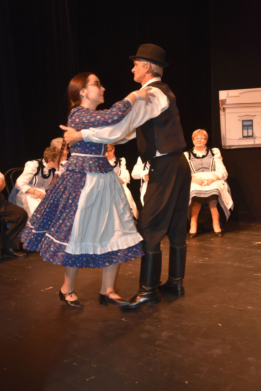 Szín-Pad-ON Színjátszó Csoport A nyárádi asszonyok – vígjáték (Nyárád, Veszprém megye)