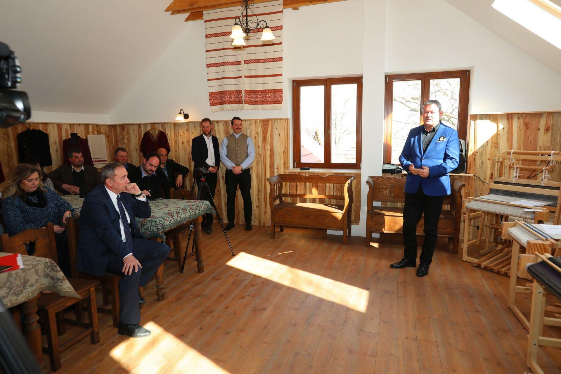 V. Németh Zsolt, az Agrárminisztérium kiemelkedő nemzeti értékek felügyeletéért felelős miniszteri biztosa az Alkotóház átadóünnepségén